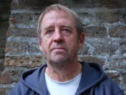 Ed Bruinvis presenteert poëziebundel 'Vage klachten'